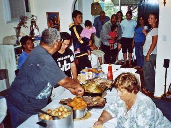 Maori food sharing.jpg
